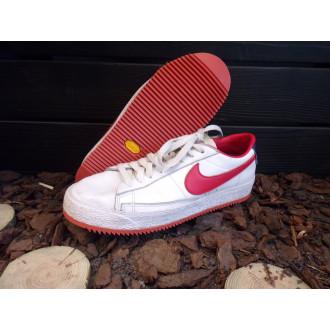 Une sneakers Nike et la semelle Vibram Mini Ripple vont bien ensemble